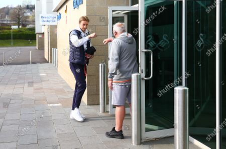 QPR Goalkeeper Joe Lumley arrives before kick off