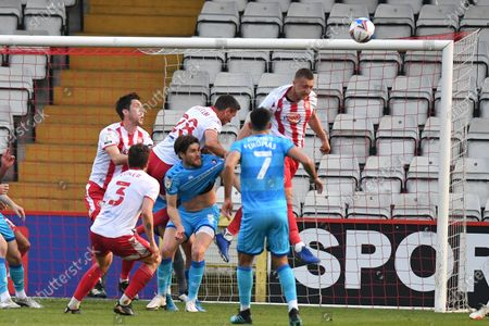 Luke Norris of Stevenage FC heads a corner away during Stevenage vs Cheltenham Town, Sky Bet EFL League 2 Football at the Lamex Stadium on 20th April 2021