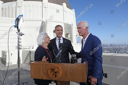 Los Angeles Mayor Eric Garcetti, center, shown with his father Gil Garcetti, former Los Angeles County's 40th district attorney, and mother Sukey Garcetti, left, before holding his annual State of the City address from the Griffith Observatory.