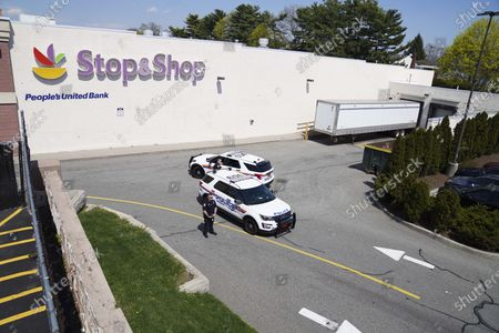 Shooting at Stop and Shop grocery store, West Hampstead