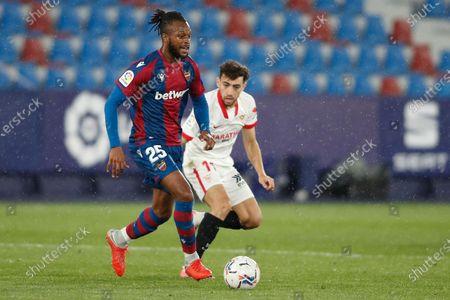 Cheick Doukoure of Levante UD and Munir El Haddadi of Sevilla FC