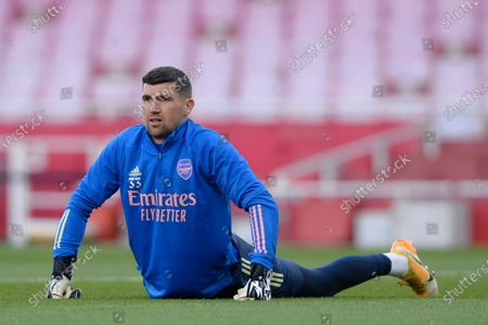 Matt Ryan of Arsenal warms up prior to the Premier League match between Arsenal and Everton at the Emirates Stadium in London - 23rd April 2021
