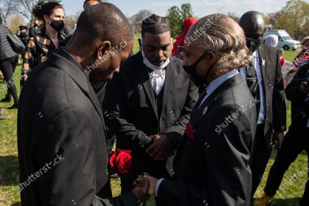 Reverend Al Sharpton says a prayer during Daunte Wright's burial at Lakewood Cemetery in April 22, 2021 in Minneapolis, Minnesota.