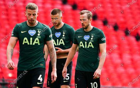 Harry Kane of Tottenham Hotspur alongside Eric Dier and Toby Alderweireld