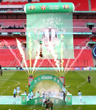 Fernandinho of Manchester City lifts the Carabao Cup trophy