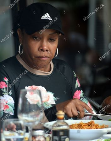Exclusive - Vivica A Fox is seen having lunch Via Alloro Italian restaurant, Beverly Hills, California