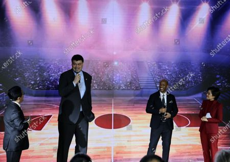 (210424) - BEIJING, April 24, 2021 (Xinhua) - Chinese Basketball Association (CBA) chairman Yao Ming (2nd L) and Beijing Royal Fighters' head coach Stephon Marbury (2nd R) waits for a special event to commemorate the 50th anniversary of the Ping-Pong Diplomacy between China and the United States in Beijing, capital of China, April 24, 2021.