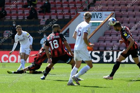 Sergi Canos (7) of Brentford shoots at goal and it is deflected behind for a corner by Steve Cook (3) of AFC Bournemouth during the EFL Sky Bet Championship match between Bournemouth and Brentford at the Vitality Stadium, Bournemouth