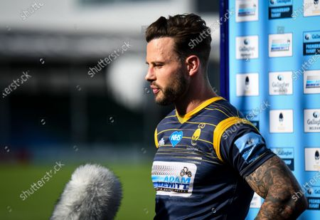 Francois Hougaard of Worcester Warriors talks to the media after the game
