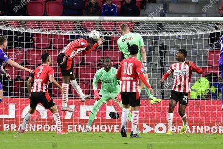 (lr) Ibrahim Sangare or PSV Eindhoven, PSV Eindhoven goalkeeper Yvon Mvogo, FC Groningen goalkeeper Sergio Padt, Denzel Dumfries or PSV Eindhoven