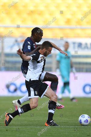 "Mattia Bani (Parma)Simy Simeon Tochukwu Nwankwo (Crotone)           during the Italian ""Serie A"" match between Parma 3-4 Crotone at  Ennio Tardini Stadium Stadium in Parma, Italy."