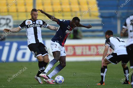 "Simy Simeon Tochukwu Nwankwo (Crotone)Jasmin Kurtic (Parma)Mattia Bani (Parma)           during the Italian ""Serie A"" match between Parma 3-4 Crotone at  Ennio Tardini Stadium Stadium in Parma, Italy."