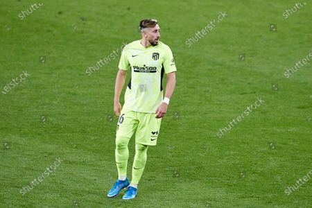 Hector Miguel Herrera of Atletico de Madrid looks on during the La Liga match between Athletic Club and Club Atletico de Madrid at San Mames stadium on April 25, 2021 in Bilbao, Spain.