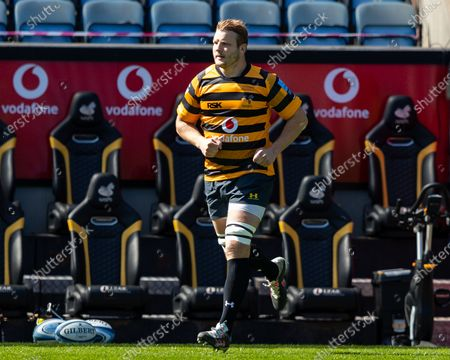 Joe Launchbury of Wasps leads his team onto the pitch