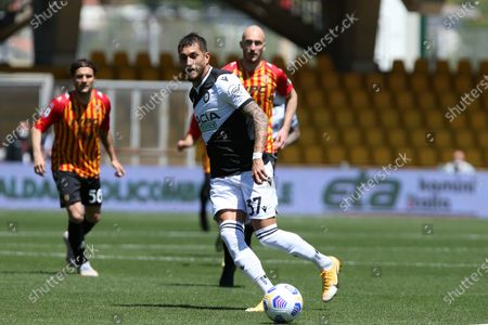 Stock Picture of Roberto Pereyra (Udinese) in action during the Serie A match between Benevento Calcio and Udinese Calcio at Stadio Comunale Ciro Vigorito on April 25, 2021 in Benevento, Italy.