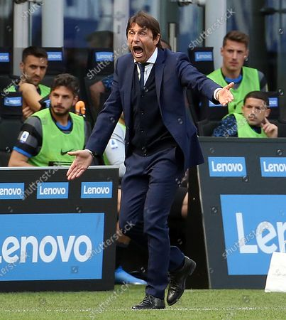 Inter's head coach Antonio Conte reacts during the Italian Serie A soccer match between Inter Milan and Hellas Verona at Giuseppe Meazza stadium in Milan, Italy, 25 April 2021.