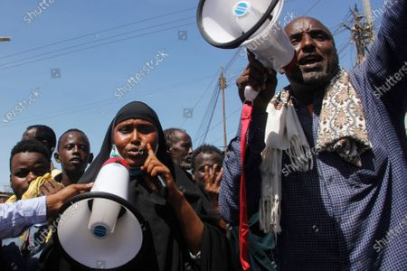 Demonstrators from Somali anti-government opposition groups protest in the Fagah area of Mogadishu, Somalia . Gunfire was exchanged Sunday between government forces loyal to President Mohamed Abdullahi Mohamed, who signed into law on April 14 a two year extension of his mandate and that of his government, and other sections of the military opposed to the move and sympathetic to former presidents Hassan Sheikh Mohamud and Sharif Sheikh Ahmed