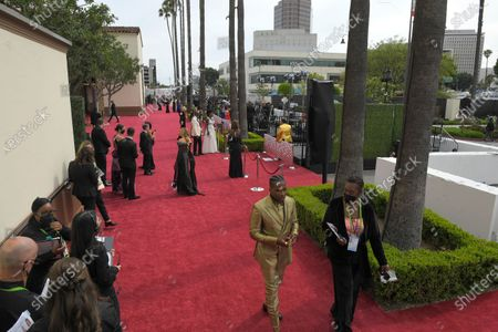 Leslie Odom Jr. front to back, Marlee Matlin, Viola Davis and Julius Tennon walk the red carpet at the Oscars, at Union Station in Los Angeles