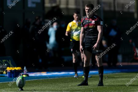 Owen Farrell of Saracens focused on the ball during the Greene King IPA Championship match between Saracens and Ealing Trailfinders at StoneX Stadium, London on Sunday 25th April 2021.