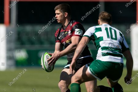 Owen Farrell of Saracens passes the ball during the Greene King IPA Championship match between Saracens and Ealing Trailfinders at StoneX Stadium, London on Sunday 25th April 2021.