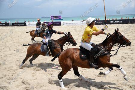 Nacho Figueras - team Seminole Casino. In front. Tito Gaudenzi - Team Land Rover