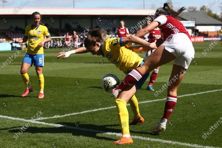Kayleigh Green (#15 Brighton FC) and Katie McCabe (#15 Arsenal) battle for the ball