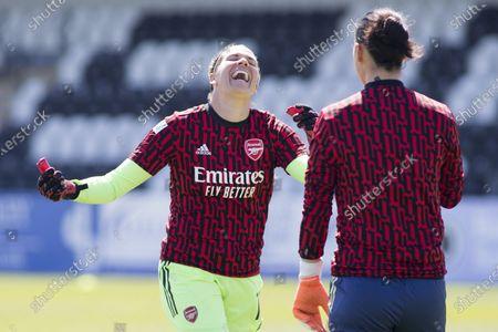 Manuela Zinsberger (#1 Arsenal) and Lydia Williams (18 Arsenal) smiles