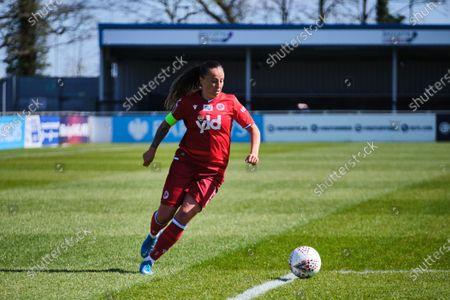 Natasha Harding (11 Reading) on the ball