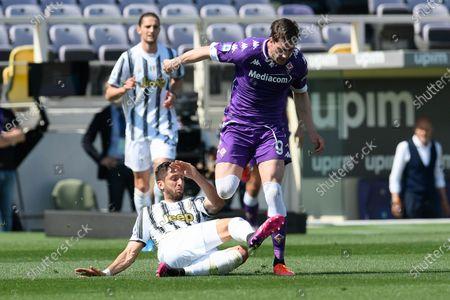 Rodrigo Bentancur of FC Juventus and Dusan Vlahovic of ACF Fiorentina