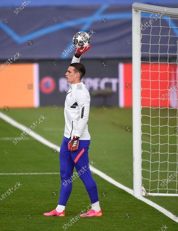 Goalkeeper Kepa Arrizabalaga of Chelsea warms up