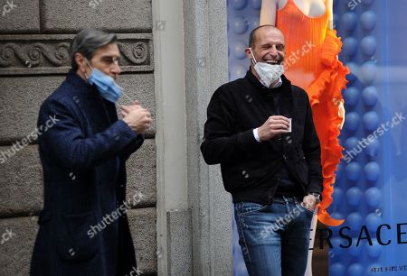 Massimiliano Allegri shops in the city center with Ariedo Braida, general manager of Cremonese, and attorney Giuseppe Riso
