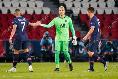 Kylian Mbappe of PSG, Keylor Navas goalkeeper of PSG and Ander Herrera of PSG at full time