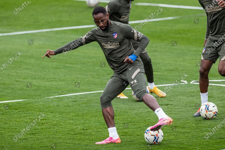 Atletico Madrid's French forward Moussa Dembele attends the team's training session at Wanda sports city in Majadahonda, Madrid, Spain, 28 April 2021. Atletico Madrid will be playing a Primera Division LaLiga match against Elche, next 01 May 2021, at Manuel Martinez Valero stadium.