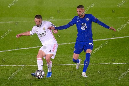 Daniel Carvajal of Real Madrid and Hakim Ziyech of Chelsea FCLuka Modric of Real Madrid and Mason Mount of Chelsea FC