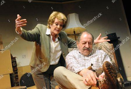 Janet Suzman ( Patricia ), Bernard Kay ( Richard )