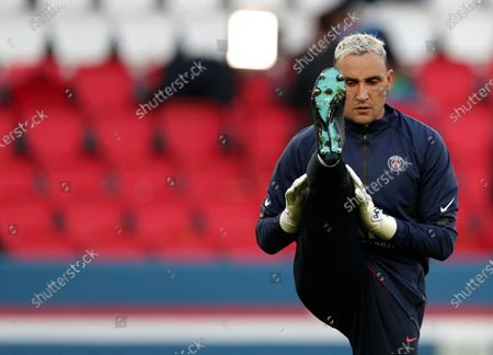 PSG's goalkeeper Keylor Navas warms up prior the start of the Champions League semifinal first leg soccer match between Paris Saint Germain and Manchester City at the Parc des Princes stadium, in Paris, France