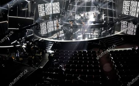 """Stock Image of Rhona Bennett, from left, Terry Ellis and Cindy Herron, from musical group En Vogue, perform """"Free Your Mind"""" at the Billboard Music Awards, at the Dolby Theatre in Los Angeles"""
