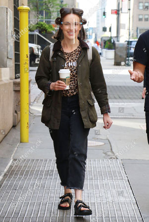 Elizabeth Henstridge heading to set of the new Apple TV+ series 'Suspicion'
