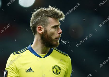 Manchester United goalkeeper David De Gea spits