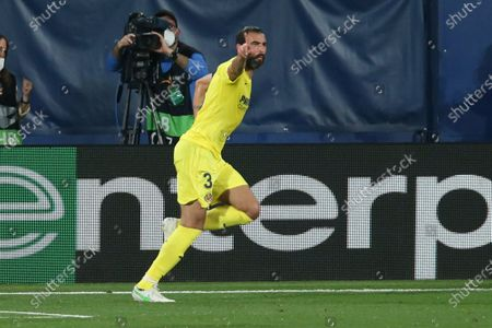 Villareal's Raul Albiol celebrates after scoring his side's second goal during the Europa League semifinal first leg soccer match between Villarreal and Arsenal at the Estadio de la Ceramica stadium in Villarreal, Spain