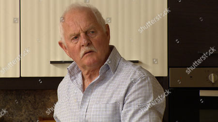 Emmerdale - Ep 9038 Tuesday 4th May 2021 After realising her brooch is missing Brenda Hope begins to suspect she and Pollard, as played by Chris Chittell, have been robbed.