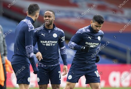 Raheem Sterling of Manchester City talks to Kyle Walker of Manchester City during the warm up
