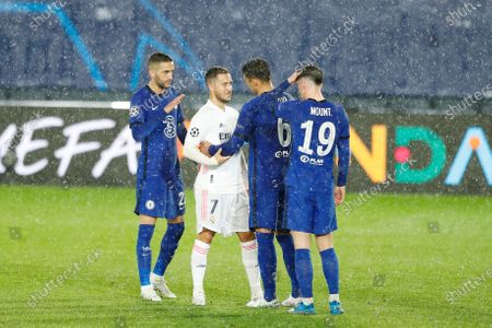 (L-R) Hakim Ziyech (Chelsea), Eden Hazard (Real), Thiago Silva, Mason Mount (Chelsea) - Football / Soccer : UEFA Champions League Semi-finals 1st leg match between Real Madrid CF 1-1 Chelsea FC at the Estadio Alfredo Di Stefano in Madrid, Spain.