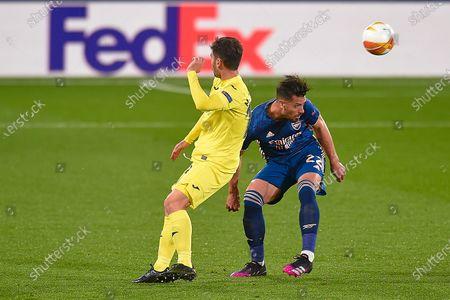 Pablo Mari of Arsenal FC and Manu Trigueros of Villarreal CF