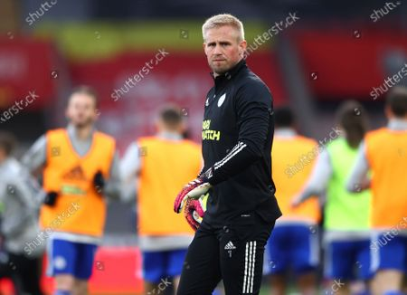 Leicester's goalkeeper Kasper Schmeichel warms up prior to the English Premier League soccer match between Southampton and Leicester City at St. Mary's Stadium in Southampton, England