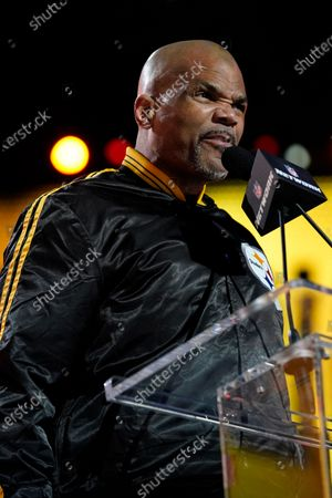 Darryl McDaniels announces the Pittsburgh Steelers pick during the third round of the NFL Draft, in Cleveland