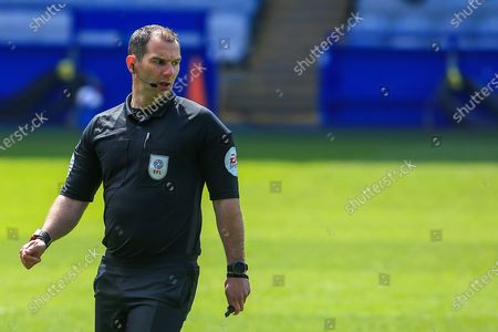 Referee Tim Robinson during the EFL Sky Bet Championship match between Sheffield Wednesday and Nottingham Forest at Hillsborough, Sheffield