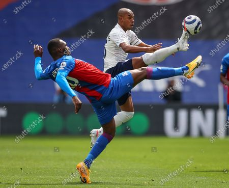 Christian Benteke (L) of Crystal Palace in action against Fernandinho (R) of Manchester City during the English Premier League soccer match between Crystal Palace and Manchester City in London, Britain, 01 May 2021.