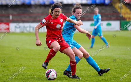 Shelbourne vs DLR Waves. Shelbourne's Ciara Grant with Kerry Letom of DLR Waves