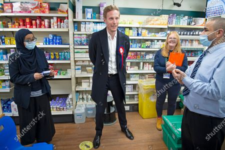Laurence Fox pops into a pharmacy on the High Street. London mayoral candidate and Reclaim Party leader Laurence Fox visiting Sidcup in South East London today with Reform UK Party leader Richard Tice.